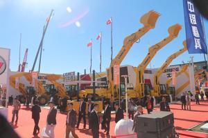 力士德2013年北京工程机械展台