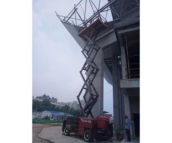 越野剪叉钢结构施工