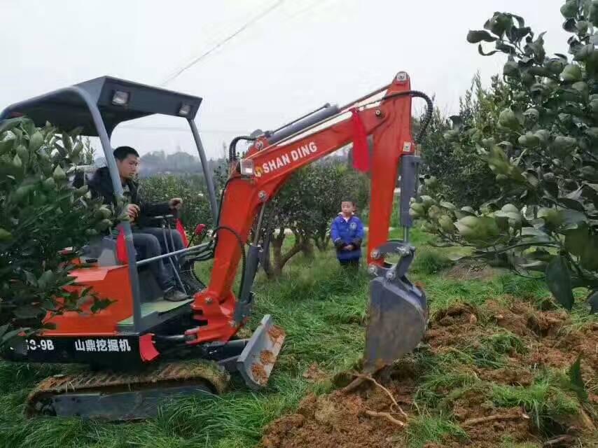四川巴中【河池挖沙】迷你小型挖掘机施工视频