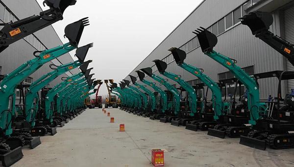 型号齐全 灵巧实用的多款山东山鼎小挖机
