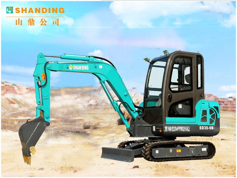 3吨重的小型挖掘机施工视频